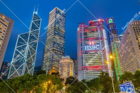 セントラル(中環) 中国銀行タワー、長江集団中心、HSBC本店ビルとスタンダード・チャータード銀行ビルの夜景 その①