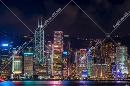 セントラル(中環)の高層ビルの夜景 その⑤