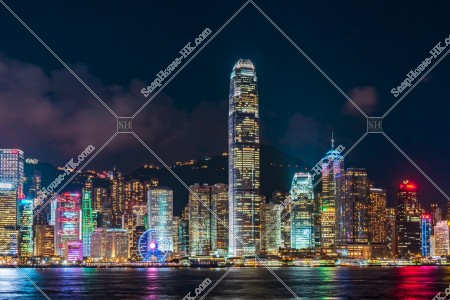 セントラル(中環)の高層ビルの夜景 その⑦
