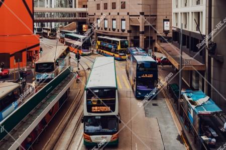 上環 德輔道中の街並みとバス
