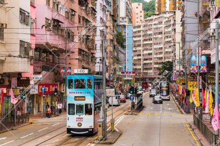 筲箕灣の街並みと香港トラム その①