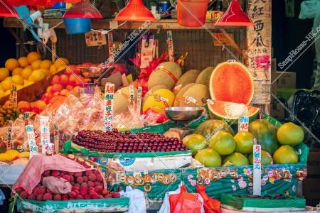 昔ながらの果物販売店