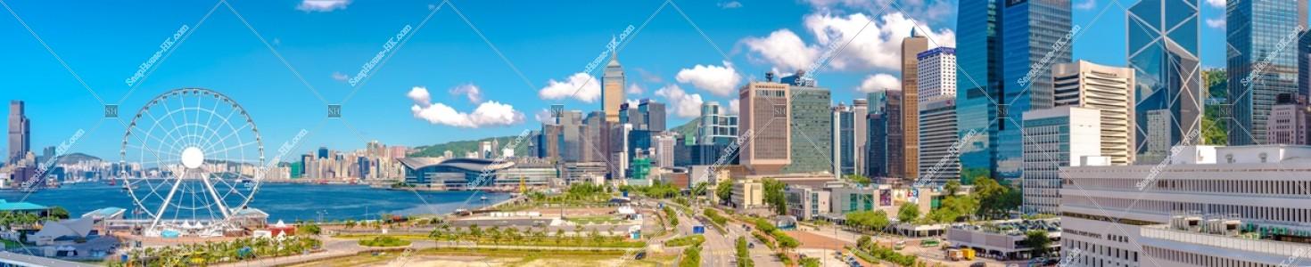 香港観覧車と湾仔(灣仔)及びセントラル(中環)の高層ビル群のパノラマ風景