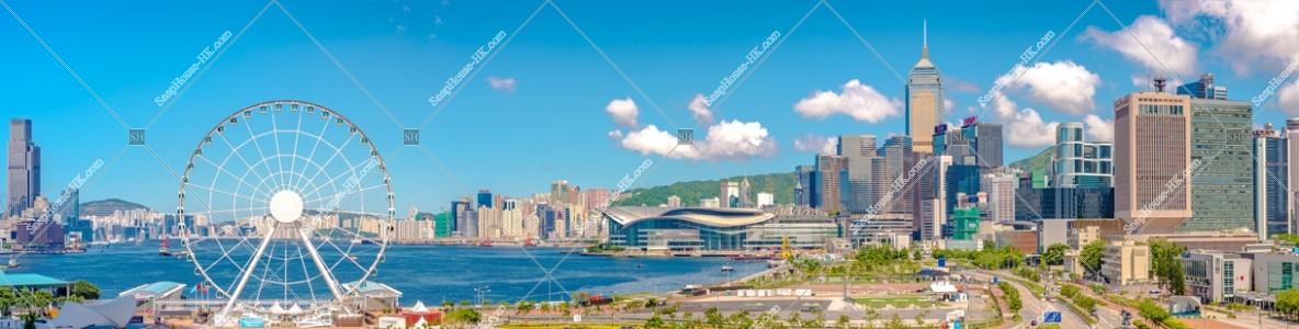 香港観覧車と湾仔(灣仔)の高層ビル群のパノラマ風景