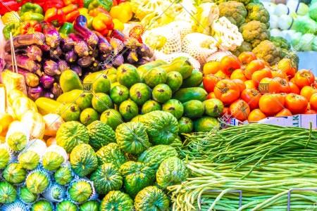 マーケットで販売されている野菜