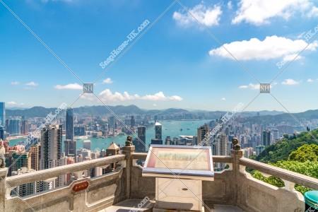ヴィクトリア・ピークの展望台と香港の都市の風景 その①