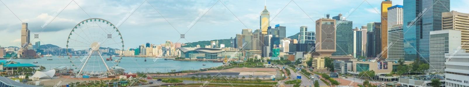 香港観覧車と湾仔(灣仔)及びセントラル(中環)の高層ビル群のパノラマ風景 その③
