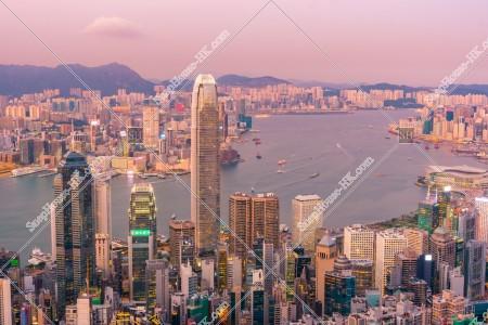 ヴィクトリア・ピークから見る香港の都市の夕景 その⑤