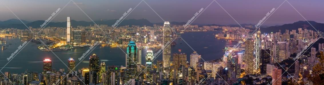 ヴィクトリア・ピークから見る香港の都市のパノラマ夜景 その①