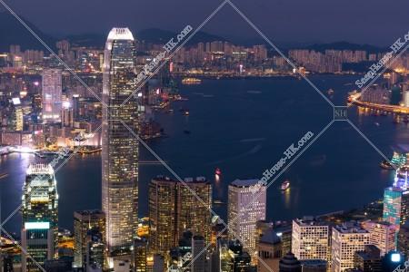 ヴィクトリア・ピークから見る香港の都市の夜景 その①