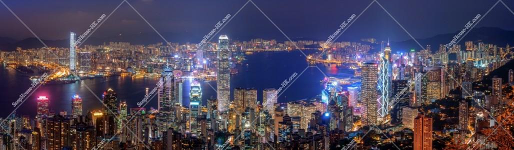 ヴィクトリア・ピークから見る香港の都市のパノラマ夜景 その②