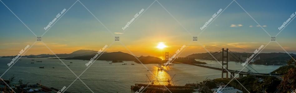 青馬大橋と夕日のパノラマ風景 その①