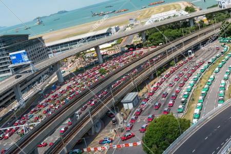 香港国際空港 赤タクシー(市区タクシー)と緑タクシー(新界タクシー) その①