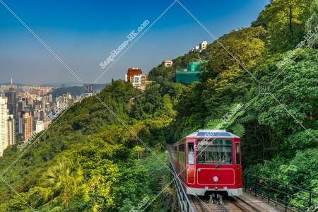 香港島の風景とヴィクトリア・ピーク(山頂)の山道を走るピークトラム その①