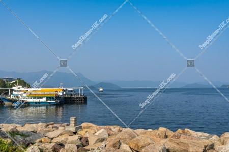 馬料水フェリー乗り場(渡輪碼頭)と沙田海