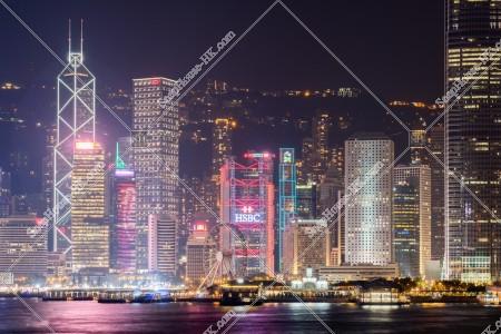 セントラル(中環)エリアの高層ビル群の夜景
