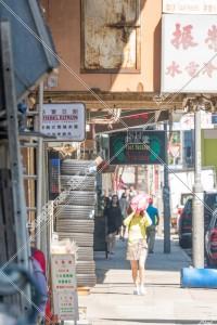 九龍城 日差しが当たる歩道