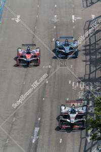 香港フォーミュラ(HK Formula E) コースを走行するF1カー