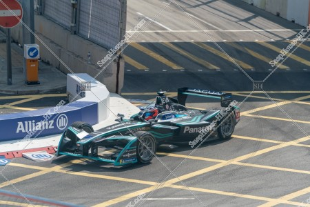 香港フォーミュラ(HK Formula E) コースを走行するF1カー その⑦