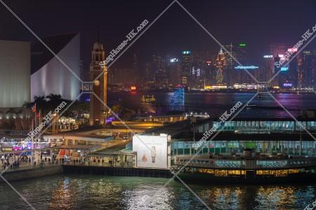 尖沙咀 時計台(尖沙咀鐘樓)付近の夜景