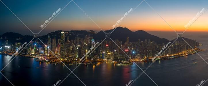 日没後の香港島の様子