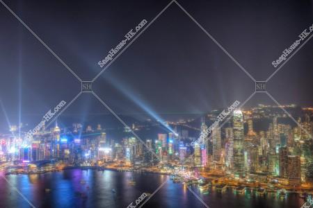 香港島 セントラル(中環)~湾仔(灣仔)エリアのシンフォニー・オブ・ライツの様子