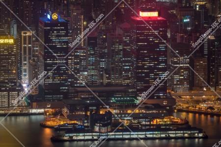 港澳碼頭と信德中心(英名:Shun Tak Centre)の夜景