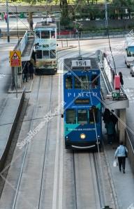 セントラル(中環) 駅に停車する香港トラム