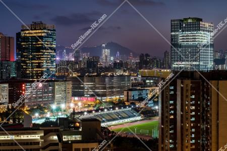 九龍湾のマンション・ビル群の夜景