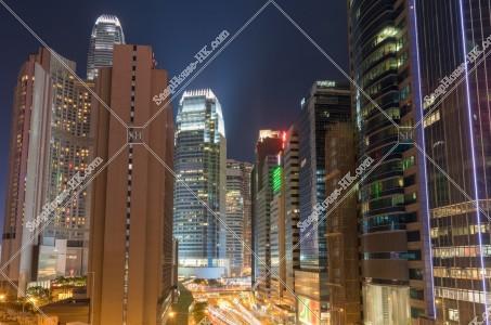 セントラル(中環) 高層ビルの夜景 [横向き]
