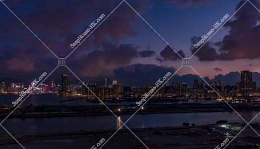 九龍灣から見る九龍と香港島の夜景