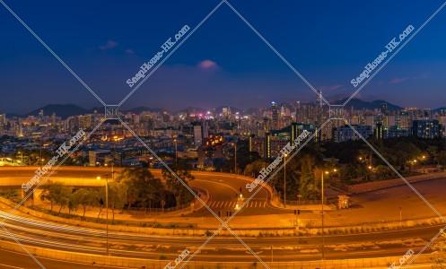 香港の高層ビル群の夕景 その⑥