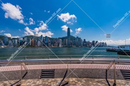 尖沙咀 九龍公衆フェリー乗り場(九龍公眾碼頭)と香港島の高層ビル群 その③