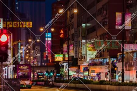 油麻地 夜の彌敦道(ネイザンロード)