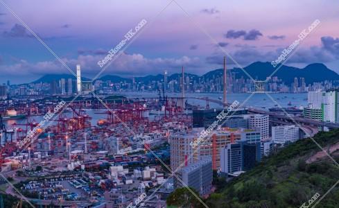 葵青コンテナターミナル(葵青貨櫃碼頭)、西九龍、香港島の夕景 その①