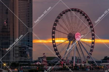 セントラル(中環) ifc2と香港観覧車と夕焼け