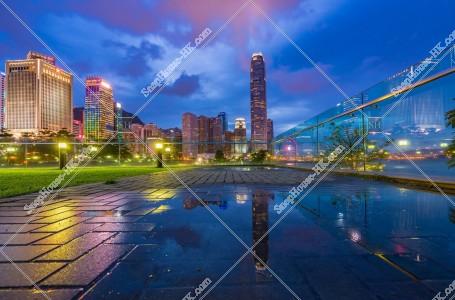 セントラル(中環) 水に反射する高層ビルの風景 その②