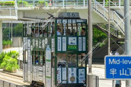 セントラル(中環)を走行する香港トラム