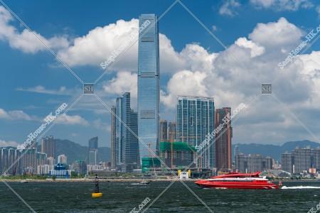 西九龍の高層ビルとターボジェット(噴射飛航) その③