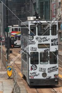 鰂魚涌を走行する香港トラム その②