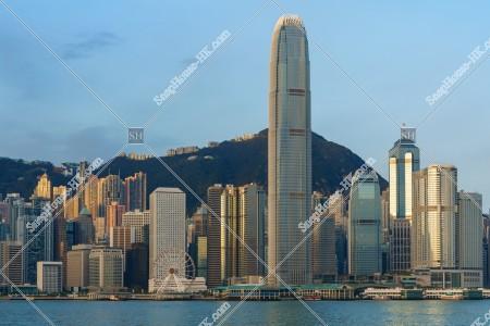 朝のセントラル(中環)の高層ビル群の風景 その⑦