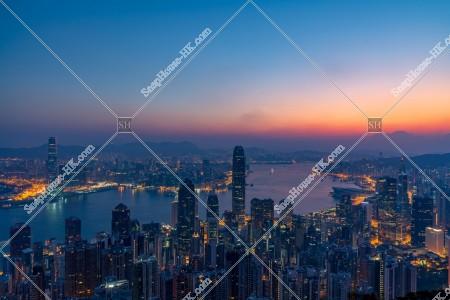 ヴィクトリア・ピークから見る香港の夜明けの風景 その④