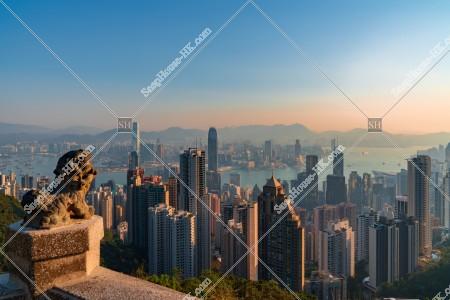 ヴィクトリア・ピークから見る香港の早朝の風景 その④