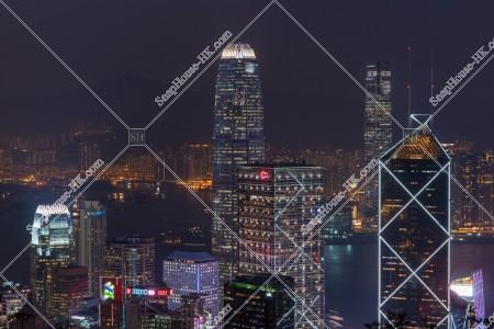 セントラル(中環)の高層ビルの夜景 その②
