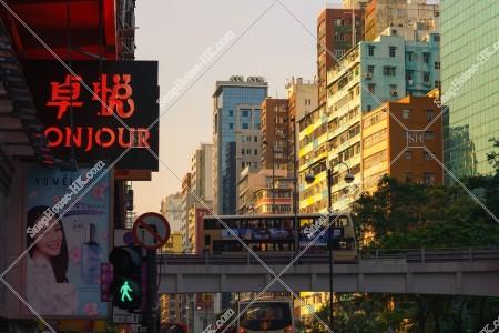 油麻地 夕方の彌敦道(ネイザンロード)の街並み その④