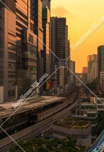 觀塘 夕方の街並みとMTRの列車 その④