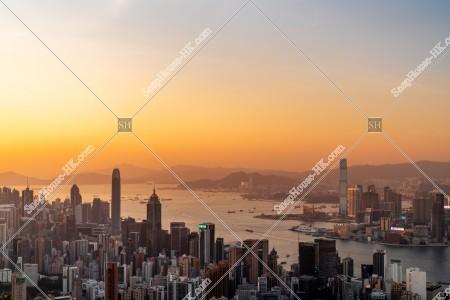 香港島と九龍半島の夕方のスカイラインビュー その⑤