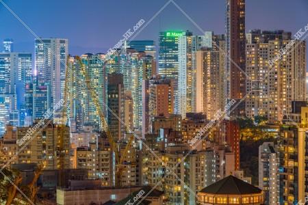 銅鑼灣の高層ビルの夜景 その①