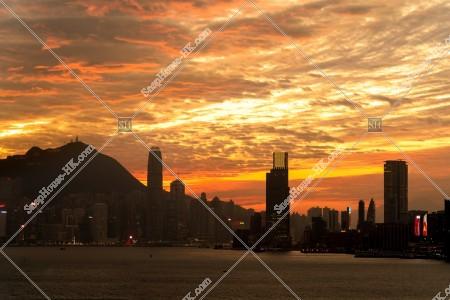 夕方の巻積雲と香港の都市風景 その⑭
