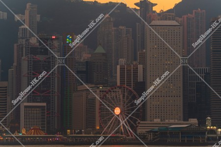 尖沙咀から見る夕方のセントラル(中環)の高層ビル群 その④